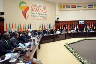 Sommet France-Afrique: Sellal relève les défis sécuritaires au Sahel