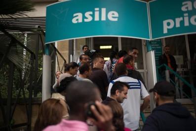 Immigration: 2.000 Algériens ont demandé l'asile en France en 2016.
