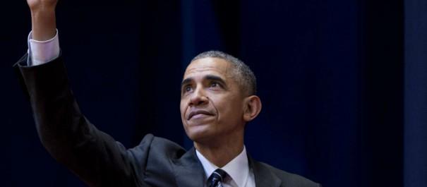 Barack Obama n'a pas pu retenir ses larmes pendant son hommage à Michelle lors de son discours d'adieu