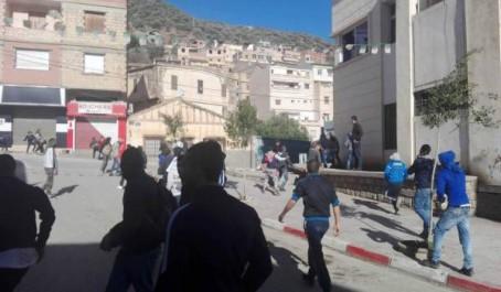 Des chaînes de TV islamistes accusent les manifestants de Béjaïa d'obéir au Mossad ! (Vidéo)