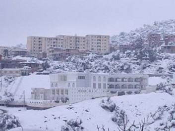 Routes coupées, villages isolés, pannes d'électricité dans plusieurs communes de Béjaïa