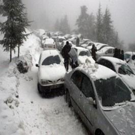 Alerte: Des centaines de familles bloquées sur la route de Chréa à cause des embouteillages
