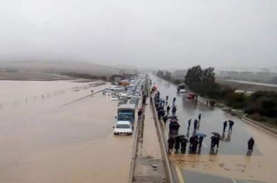 Intempéries : Des interventions par milliers, des décès et des routes inondées