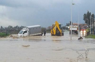 Intempéries à l'ouest: Accidents, effondrements et inondations
