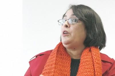 """Zina ikhlef-ouagueni, députée RND de Béjaïa, à """"LIBERTÉ"""":  """"Il n'y a pas de main étrangère, mais la main des clans"""""""