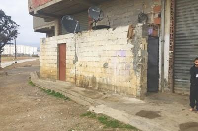 """Le prix de location frôle les 10 000 Da pour 10 M²:  """"Vivre"""" dans un garage à Bouira…"""