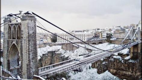 Constantine: Routes bloquées, écoles fermées et vols annulés