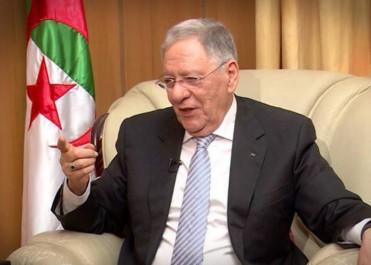 Malgré des résistances Farouches au sein du FLN: Ould Abbès trace son chemin