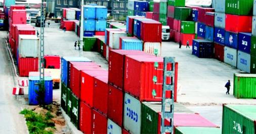 Les importations de produits finis suspendues