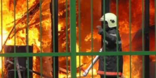 Aïn-Témouchent: Incendie dans un stock de goudron à Aïn-el-Arba