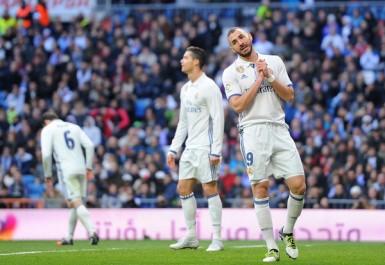 Real Madrid : Benzema poussé sur le banc par les supporters