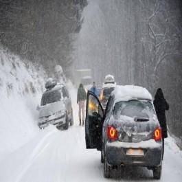 Neige : 34 routes nationales et 64 chemins de wilayas bloqués