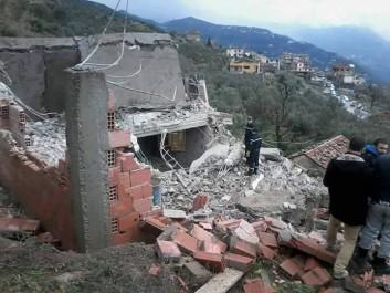 Bejaia: Une trentaine de maisons menacées d'effondrement à cause d'un glissement de terrain.