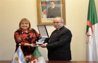 Lamamra reçoit la Croix de San Martin, la plus haute distinction d'Argentine