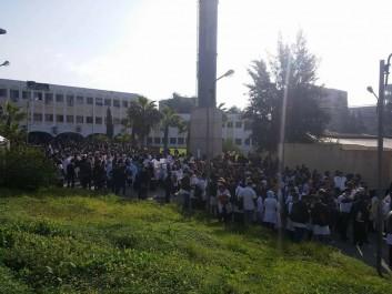 Les étudiants en pharmacie manifestent à Tizi-Ouzou