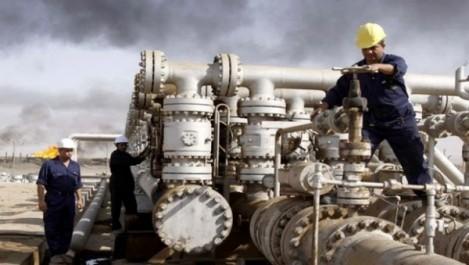 Forte baisse de la production mondiale de pétrole en janvier