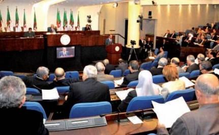 Opposition et partis du pouvoir: Première passe d'armes