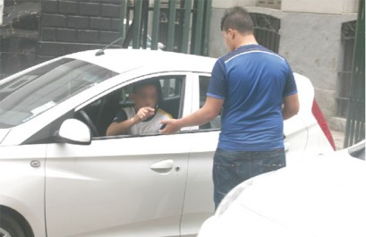 Parkings sauvages et stationnements gênants : La contribution des automobilistes est essentielle.