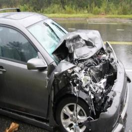 Cinq décès et treize blessés dans des accidents routiers à travers le pays