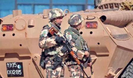Une cache contenant une importante quantité d'armes de guerre et de munitions découverte à Adrar (MDN).