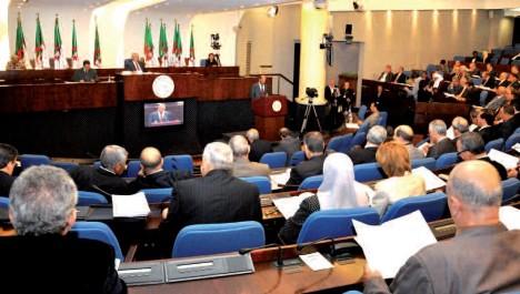 Oran: 12 députés FLN se représentent