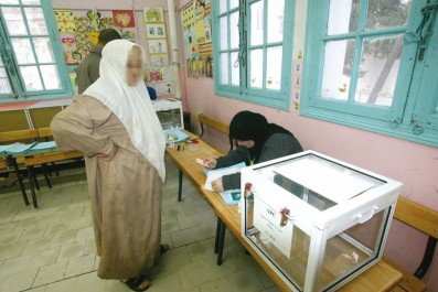 Le gouvernement multiplie les appels et  les promesses: Législatives : à la recherche du vote jeune