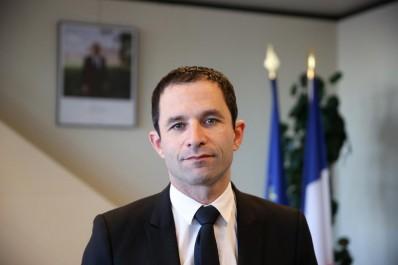 Benoit Hamon prêt à présenter des excuses formelles aux Algériens