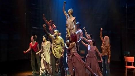 «Madiba», une comédie musicale présentée à Alger en hommage à Nelson Mandela