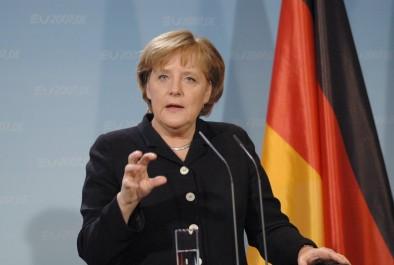 Algérie-Allemagne: Angela Merkel aujourd'hui à Alger pour une visite de deux jours: De la mécanique et des migrants…