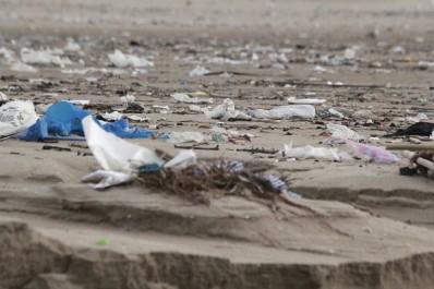 Interdiction des sacs en plastique: Abdelkader Ouali relance le feuilleton