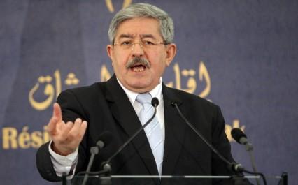 """Ouyahia évoque """"les blocages"""" contre le groupe Cevital"""