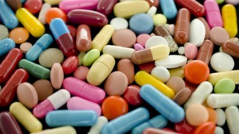Pénuries de médicaments: A quoi joue l'administration?