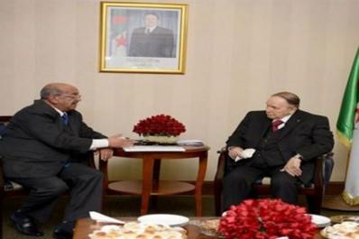Réapparition du président Bouteflika après 55 jours d'absence