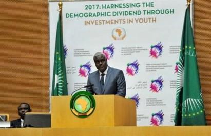 Le nouveau président de la Commission de l'UA Moussa Faki prend ses fonctions