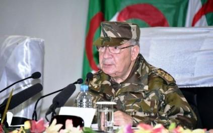 Le général de corps d'armée Ahmed Gaïd Salah : « nous poursuivrons les résidus du terrorisme jusqu'à leur éradication»