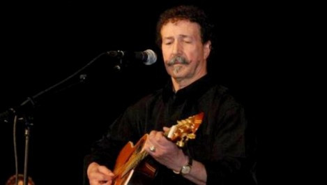 Lounis Aït Menguellet en concert vendredi à La Coupole La canonique carrière du «poète qui chante»