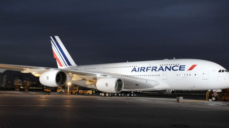 Air France dément avoir exigé un visa Schengen pour des Algériens en transit à Paris