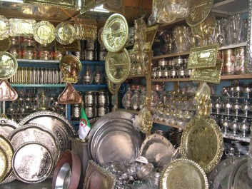 5e salon de l'artisanat: appel à ouvrir les locaux de la Casbah pour relancer les métiers d'art