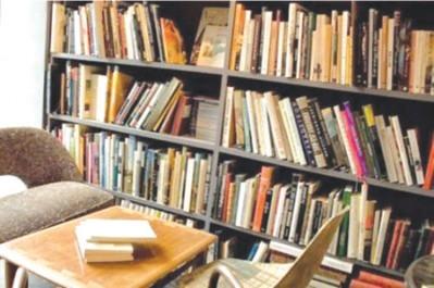 Vive réaction du café littéraire de Béjaïa  aux interdictions des conférences-débats à Tizi-Ouzou et Béjaïa: «Non à la fermeture des espaces du débat d'idées»