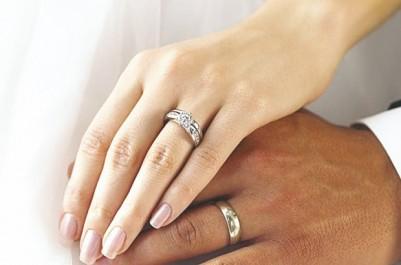 Selon une étude publiée lundi par l'INSEE en France: Plus de 6 000 mariages franco-algériens en 2015