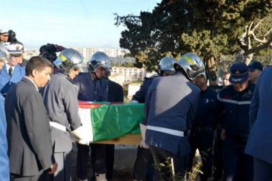 Mohamed Seghir Babès enterré hier:  Il a accompli sans faute ses missions