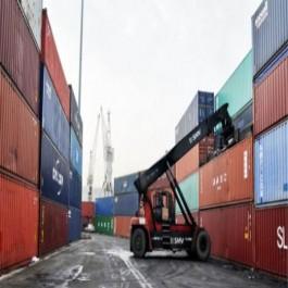 Baisse de 55% du déficit commercial sur les 2 premiers mois de 2017