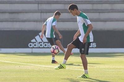 Le staff médical du Real Betis passe à la vitesse supérieure pour soigner Mandi