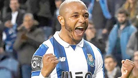 Les supporters du  FC Porto s'opposent au départ de Brahimi