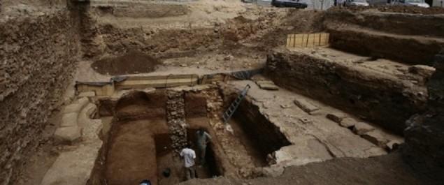 Fouilles place des Martyrs: 2000 ans d'histoire révélés