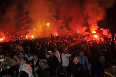 A Tunis comme à Alger: le football, opium de la jeunesse perdue.