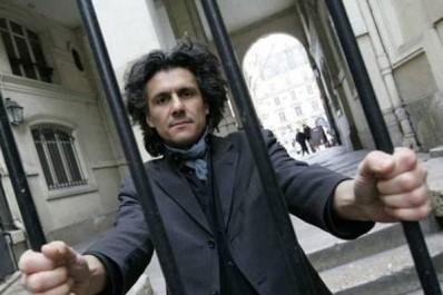 Nekkaz au ministre de la justice français : « Emprisonnez-moi »