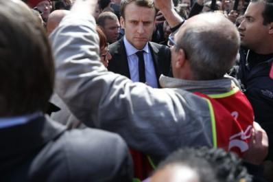 Bataille de communication entre Le Pen et Macron autour du sort des salariés de Whirlpool