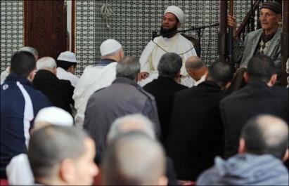 Le mouvement associatif et les imams s'impliquent dans la mission de sensibilisation
