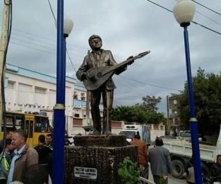 Béjaia : une statue controversée de Matoub Lounès retirée